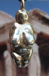 Modern Venus of Willendorf Charm