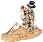 Skeleton Beach Lovers Figurine