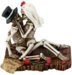 Skeleton Lovers Sitting - Love Never Dies
